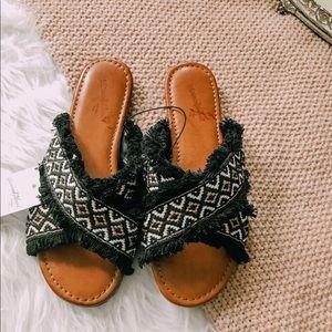 NWT: Universal Thread Boho Sandals